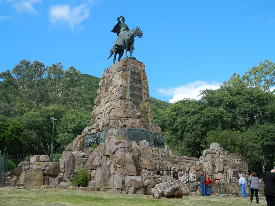 monumento-a-guemes-1