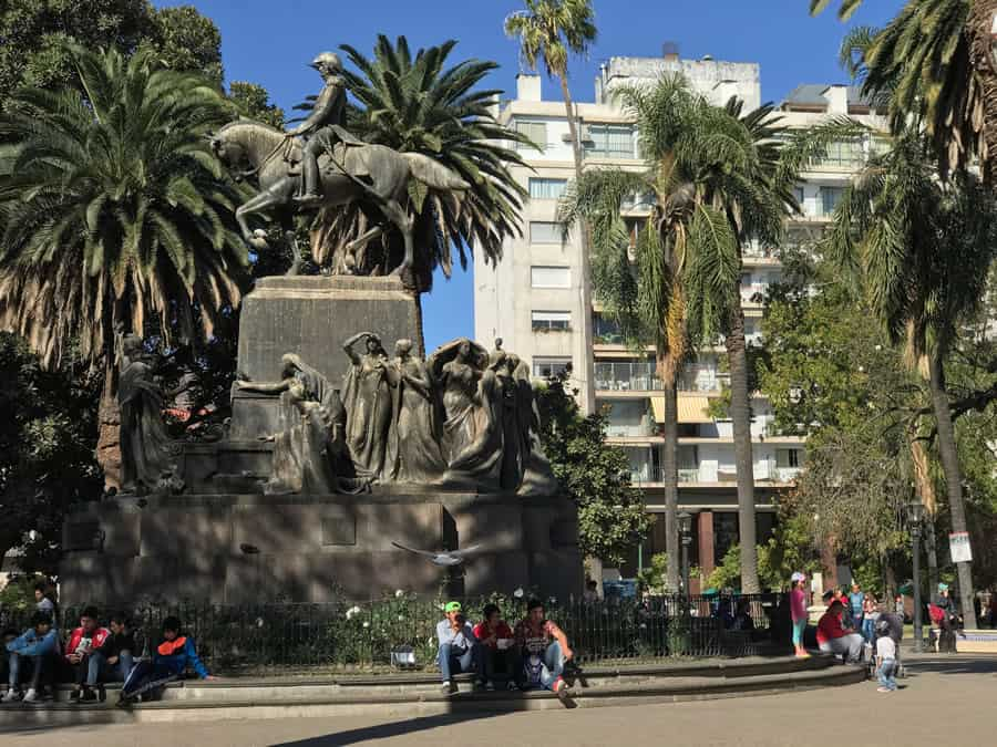monumento plaza