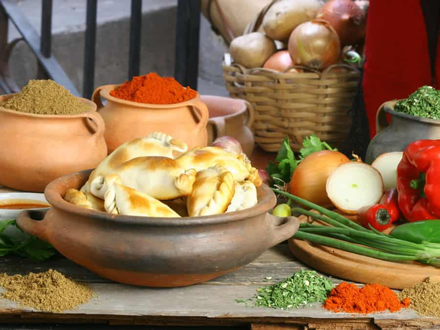 empanadas salteñas- turismo gourmet en salta